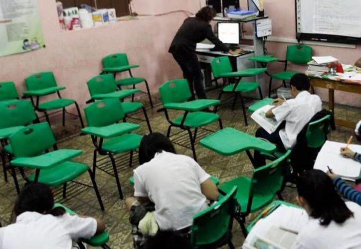 En una escuela primaria de Akil se aplica un sistema de enseñanza llamado 'Los nuevos alquimistas', que hasta ahora ha resultado exitoso. (SIPSE/Foto de archivo)