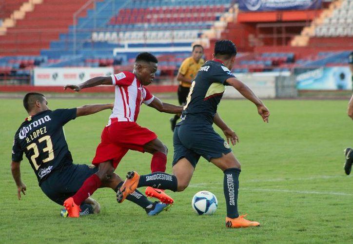 Pioneros se quedó con las ganas de una triunfal presentación en el estadio Andrés Quintana Roo. (Raúl Caballero/SIPSE)