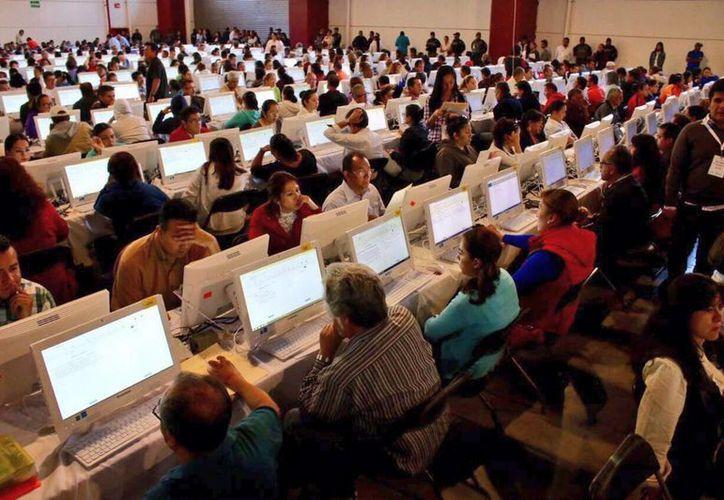 Este domingo la SEP continúa con la evaluación a miles de docentes, excepto en la Ciudad de México, Chiapas, Estado de México, Guerrero, Michoacán y Oaxaca. (Notimex)