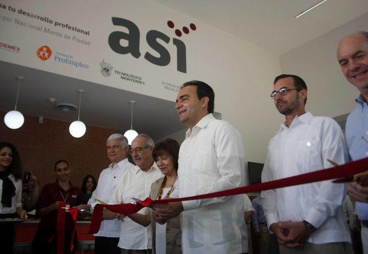 Ayer se realizó la apertura del Centro ASÍ de Mérida donde se ofrecerán  talleres y cursos para emprendedores. (Milenio Novedades)