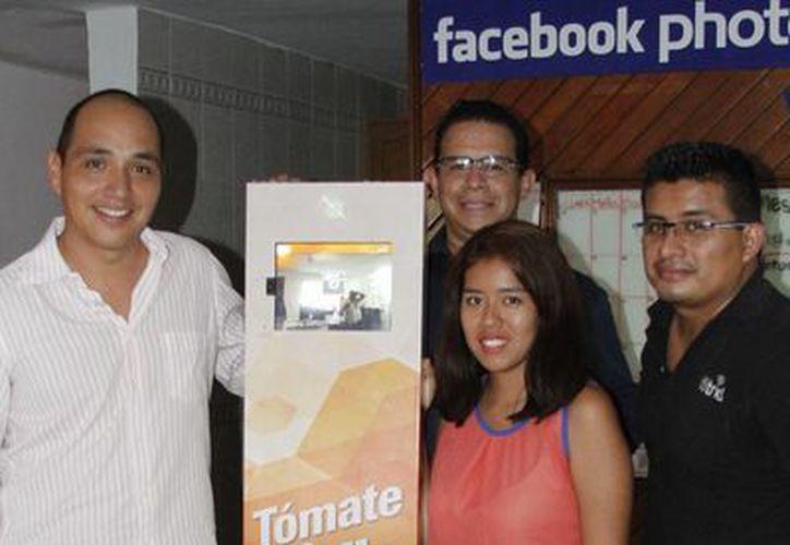 La empresa iStrid instaló los kioscos en establecimientos comerciales. (Sergio Orozco/SIPSE)