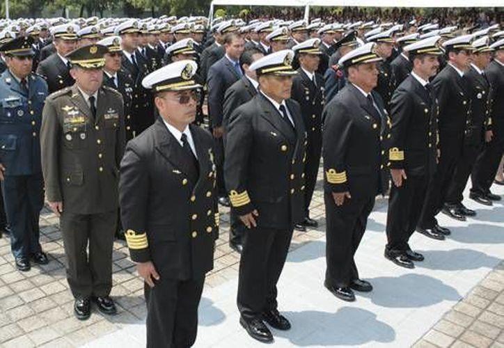 Los graduados cursaron también las especialidades de Maestría en Seguridad Nacional, Administración Naval y Seguridad de la Información, entre otras. (semar.gob.mx)