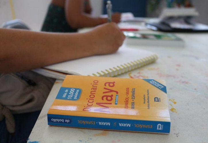 En Quintana Roo hay 50 intérpretes de lengua maya capacitados para intervenir en los juicios orales. (Adrián Barreto/SIPSE)