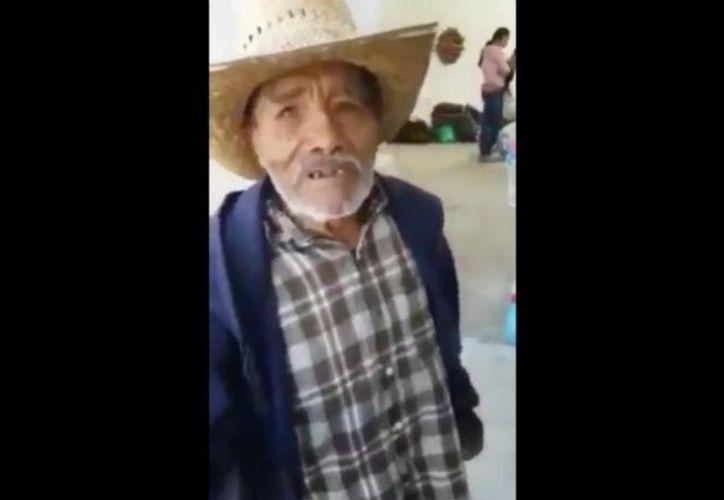 Como él, cientos de mexicanos se han desplazado hacia los centros de acopio que se abrieron en todo el territorio nacional.  (Foto: Contexto/Internet)