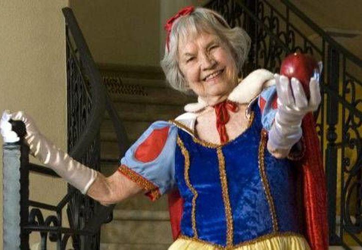 A los 91 años fallece la actriz JoAnn Dean Killingsworth que diera vida al mítico personaje de cuentos infantiles en el parque de diversiones. (aztecanoticias.com.mx)