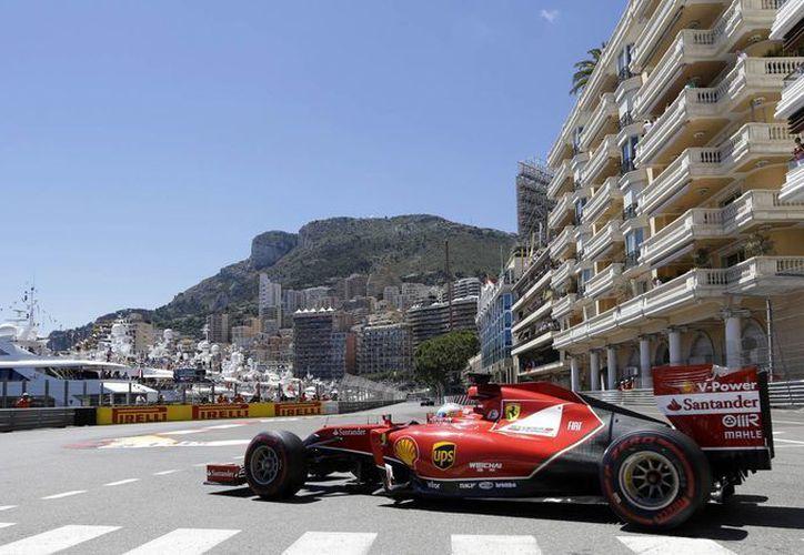 El bicampeón de la F1 comentó que se han realizado muchos cambios en su F14-T. (Foto: AP)