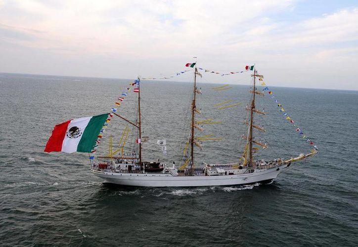 Sabe que el Buque Escuela Cuauhtémoc es un atleta de alto rendimiento que ha obtenido galardones en regatas internacionales. (facebook.com/SEMARMX)