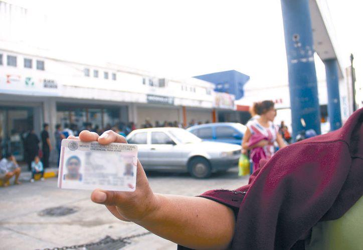 """El Registro Federal de Electores en Yucatán tiene más de 35 mil nombres """"repetidos"""", lo que ha obligado a las dependencias a reforzar sus controles para evitar problemas legales. (SIPSE)"""