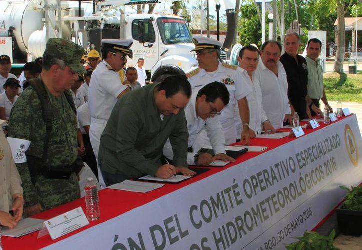 El lunes se instaló el Comité Operativo Especializado en Fenómenos Hidrometeorológicos 2016 de Q. Roo. (Ángel Castilla/SIPSE)