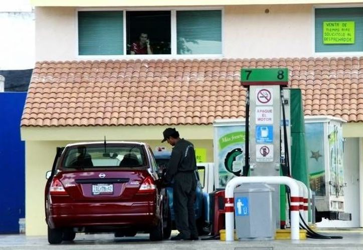 En 2012 las gasolineras cambiaron sus sistemas para expedir combustible. (Archivo/SIPSE)