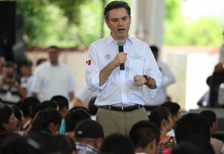 Aurelio Nuño asegura que no habrá diálogo con la CNTE hasta que ésta deje de vulnerar el derecho de los niños a clases. (Notimex)