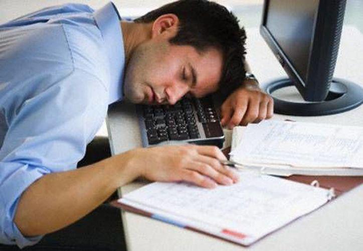 Te da sueño porque el flujo de sangre disminuye un poco en el cerebro. (Contexto/Internet)