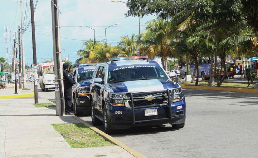 La presencia policíaca incrementa en las calles, pero no ha sido suficiente para combatir la inseguridad. (Ivette Y Coss/SIPSE)