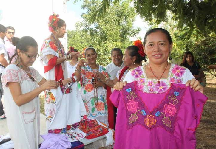 Mary Cobá Cupúl, presidenta del Consejo de Pueblos Mayas, denuncia que las mujeres  indígenas son triplemente discriminadas. (Daniel Pacheco/SIPSE)