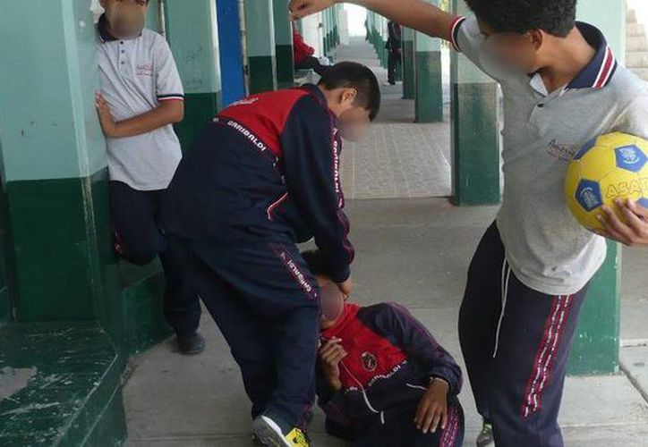 En 2011, la CNDH reportó que el 30 % de los estudiantes de educación básica declaraba sufrir algún tipo de bullying. (siete24.mx)