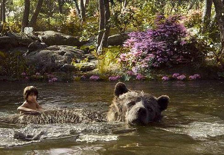 <i> El Libro de la Selva</i>, que combina actores con animación generada por computadora, está demostrando ser un verdadero éxito entre todo tipo de público. (Disney)