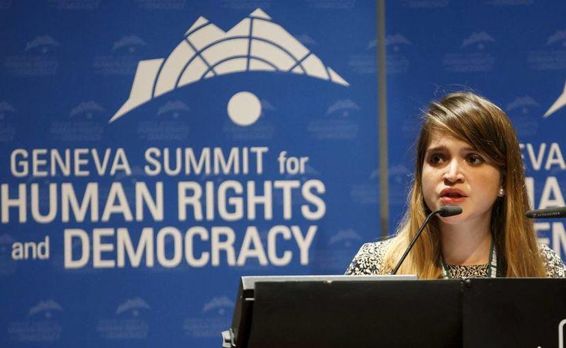 Antonieta Ledezma, hija del alcalde de Caracas Antonio Ledezma, recibió un premio de UN Watch en Suiza a nombre de su padre, detenido desde hace un año por supuesta conspiración y asociación criminal. (EFE)