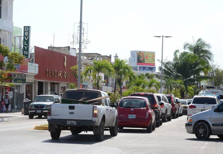 El costo del emplacamiento en el Estado sigue siendo el más bajo del país, asegura el titular de la Sefiplan. (Foto: Eddy Bonilla)