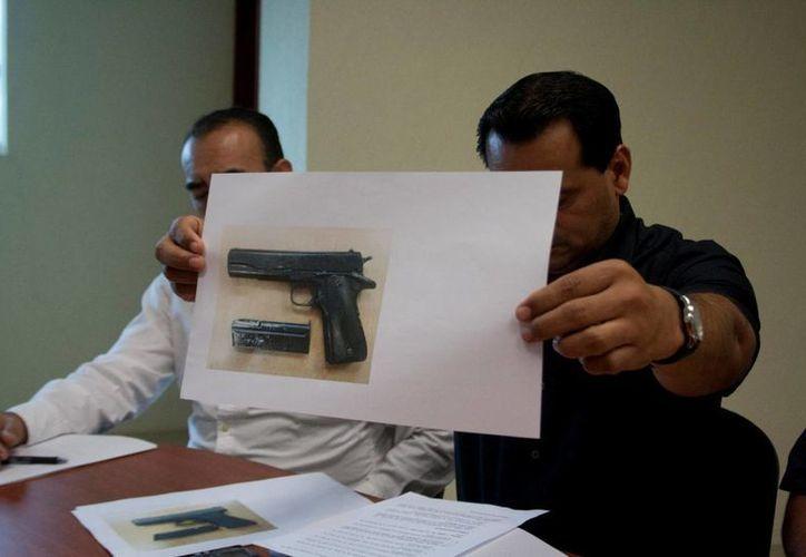 Autoridades policiales dieron a conocer en rueda de prensa la detención de los nueve integrantes de la banda delictiva.  (Redacción/SIPSE)