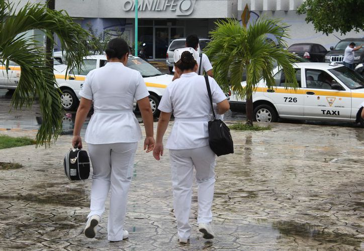 Los estudiantes son de enfermería, medicina, odontología, farmacia, nutrición, terapia física y química. (Joel Zamora/SIPSE)