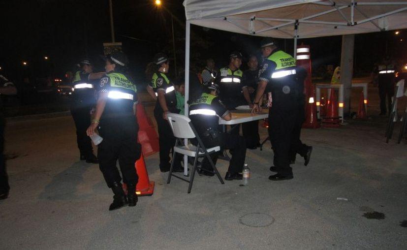 Los operativos se realizan de miercoles a domingo como parte del programa de Gudalupe -Reyes. (Renán Moguel/SIPSE)