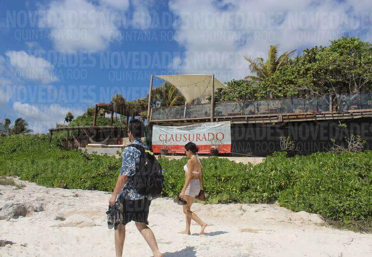 Las más recientes clausuras fueron a dos hoteles y un club de playa. (Sara Cauich/SIPSE)
