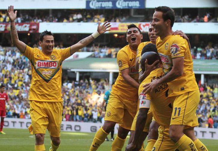 América es el primer finalista al vencer 2-0 a Toluca en el Estadio Azteca, para un marcador global de 3-2. (Notimex)