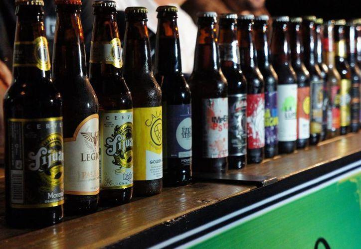 El mercado de la cerveza artesanal en México comenzó a fraguarse hace unos 15 años. La imagen se utiliza con fines estrictamente referenciales. (Archivo/Notimex)