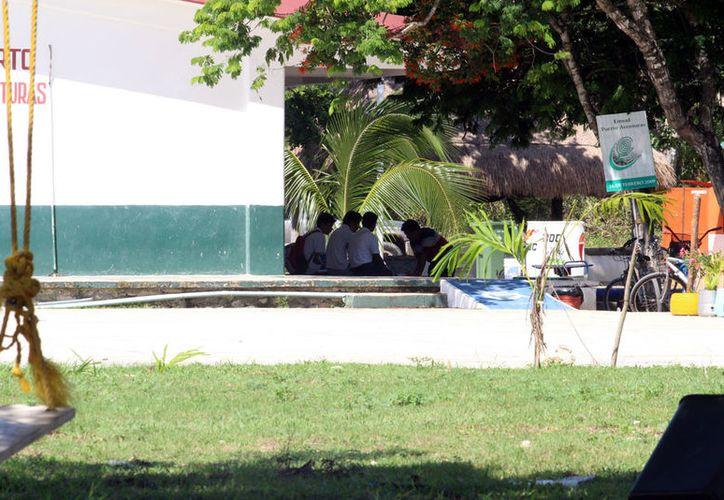 De las dos secundarias de Puerto Aventuras egresarán más de 200 estudiantes. (Adrián Barreto/SIPSE)