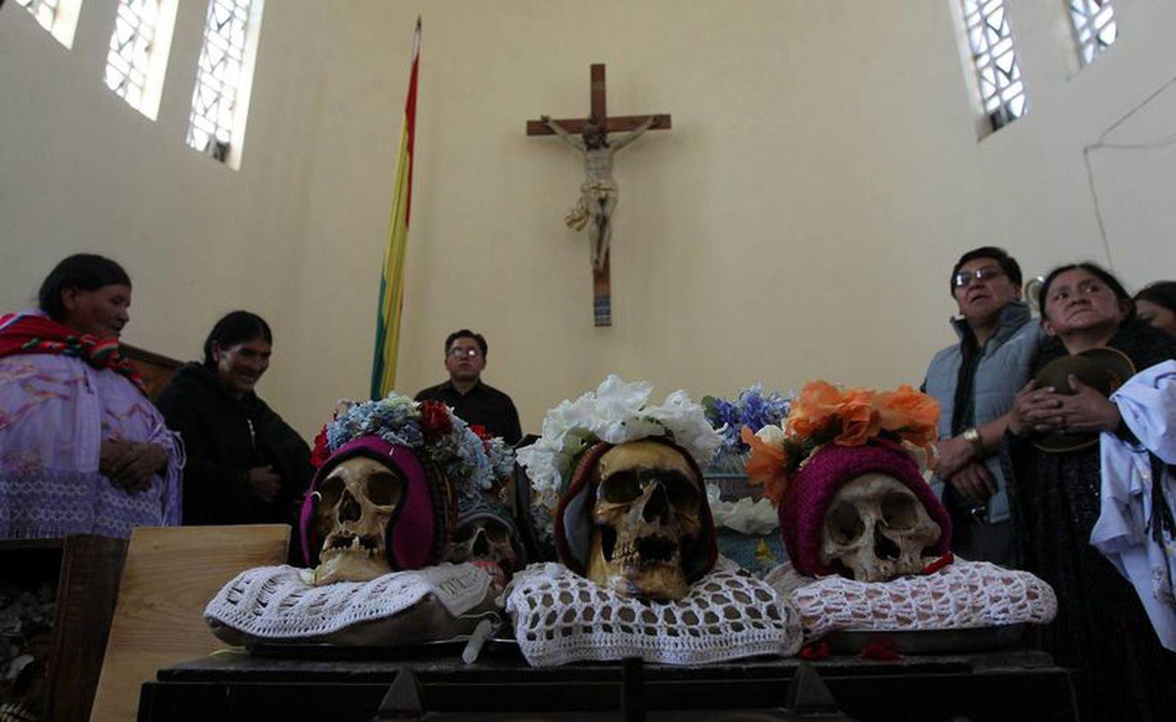 Mundo | Calaveras y fe cristiana se mezclan en festividad de las Ñatitas en  Bolivia