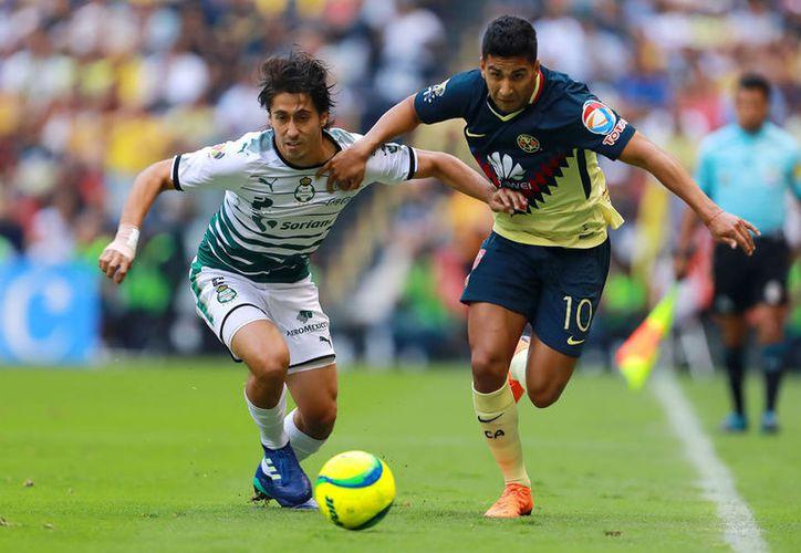 Santos no supo redondear la victoria en el partido de ida, pero le alcanzó para llegar a la final. (Jam Media)