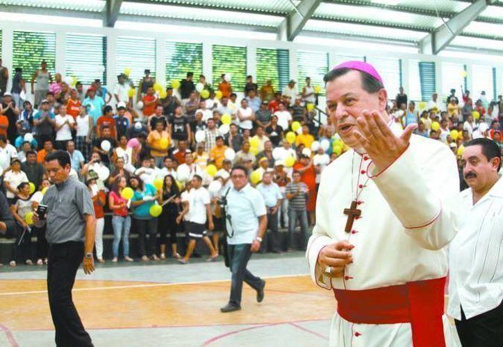 El Arzobispo de Yucatán, Monseñor Gustavo Rodríguez Vega, deberá reposar de la voz varios días. (Milenio Novedades)