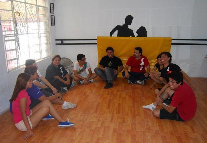 Las obras de la escuela artística se llevan a cabo en el Teatro de Cancún. (Israel Leal/SIPSE)