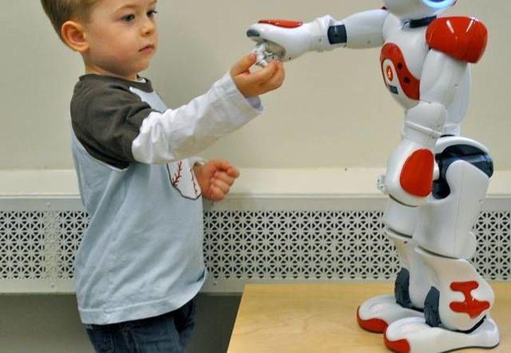 El robot será capaz de dar indicaciones verbales y gestos al niño. (grupoeducativa.com)