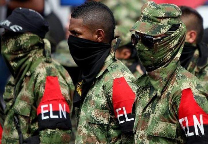 El ELN tiene unos mil 500 efectivos en armas. (noticias24.com)