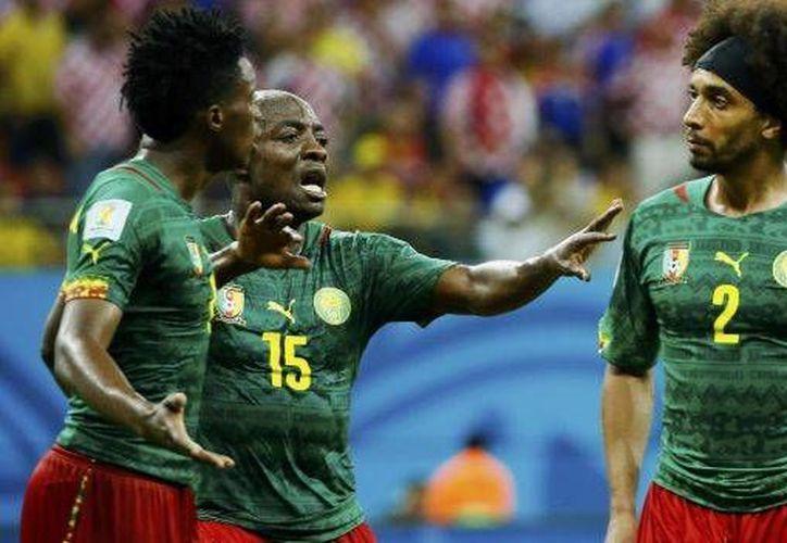 Algunos jugadores cameruneses se encararon entre sí en el duelo contra Croacia e incluso llegaron a los golpes. (Twitter)