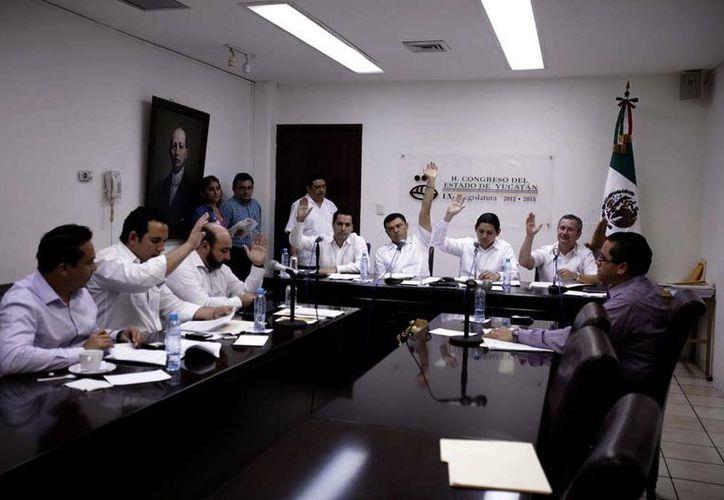 Los integrantes de la Comisión de Puntos Constitucionales dieron su aprobación de manera unánime. (Milenio Novedades)
