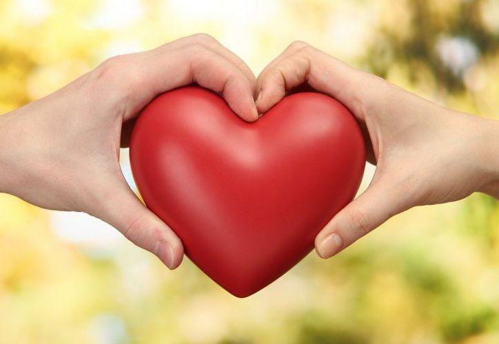 Los hombres gastan más en los regalos hacia sus parejas que las mujeres, durante el Día del Amor. (Foto: Contexto)