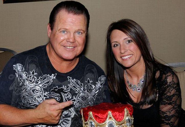 """Jerry """"The King"""" Lawler, leyenda de la WWE sufrió un infarto el pasado 21 de marzo. (Contexto/Internet)"""
