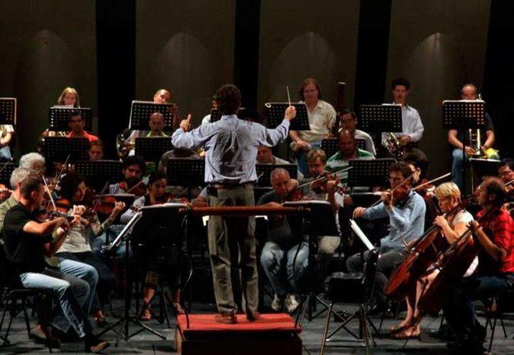 La Orquesta Sinfónica Yucatán presentó su nuevo programa para temporada septiembre-diciembre. (SIPSE)