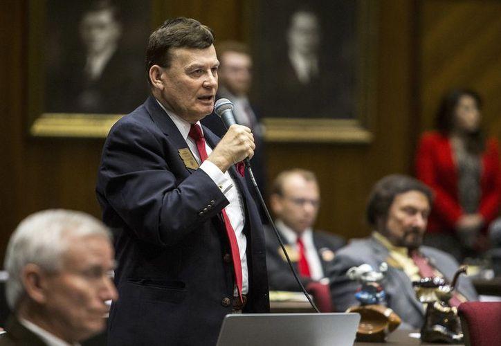 Al senador estatal David Stringer, le han solicitado que renuncie a su escaño, aunque él afirma que se modificaron sus palabras. (Internet)
