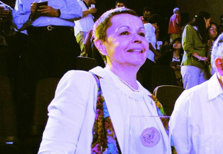Galina Yershova fue  galardonada por autoridades de Yucatán por su contribución al desciframiento de los jeroglíficos mayas. (Milenio Novedades)