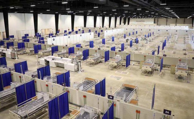 El nuevo espacio médico temporal en el Siglo XXI cuenta con 490 camas. (Novedades Yucatán)