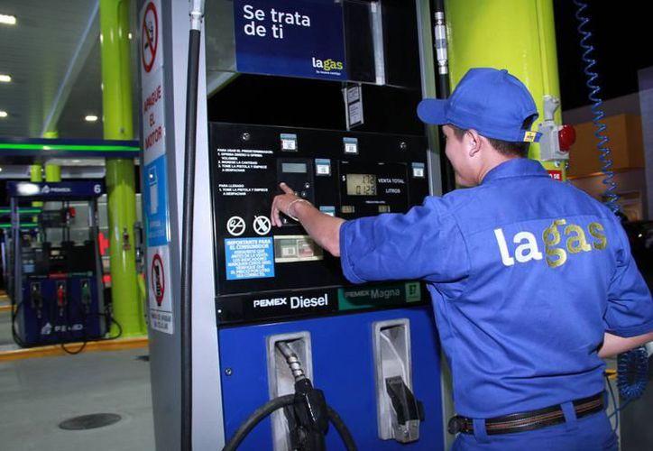 Las empresas que vendan combustibles van a competir a través del precio, servicio y calidad del producto. (Milenio Novedades)