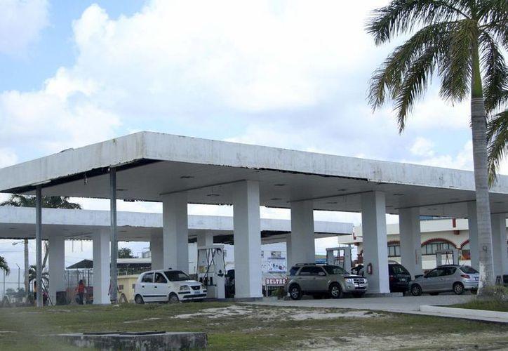 La gasolinera Shell tiene una mayor afluencia de visitantes, principalmente de origen mexicano. (Harold Alcocer/SIPSE)