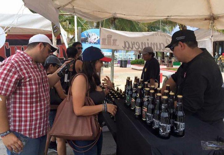 En el festival tuvieron presencia más de 150 marcas de cerveza. (Luis Soto/SIPSE)