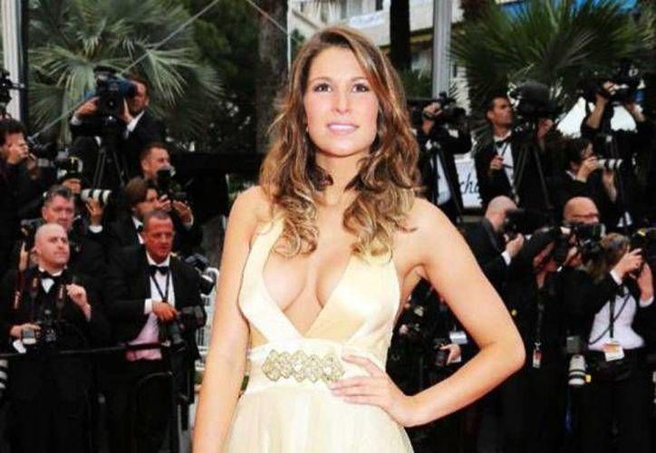 La Ex Miss Francia sufrió el accidente en un programa de televisión en su país natal.(AP)