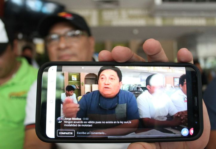 el funcionario local Jorge Medina Burgos, comenzó a confrontar y llamar 'Payasos' a los representantes sindicales de los mototaxistas. (Daniel Pacheco/SIPSE)