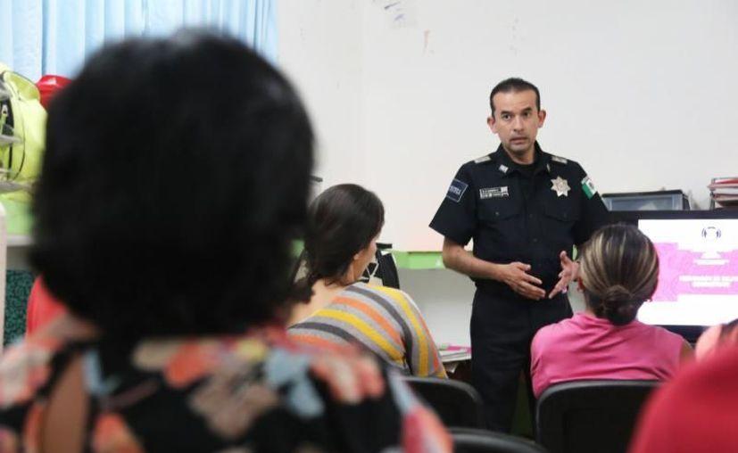 El curso estuvo a cargo del oficial Ricardo García López. (Novedades Yucatán)