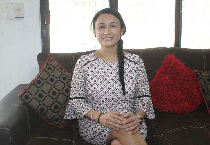 Nancy Angelina concedió una entrevista para Novedades Chetumal. (Daniel Tejada/SIPSE)